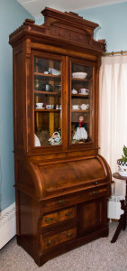 China anddoll cabinet
